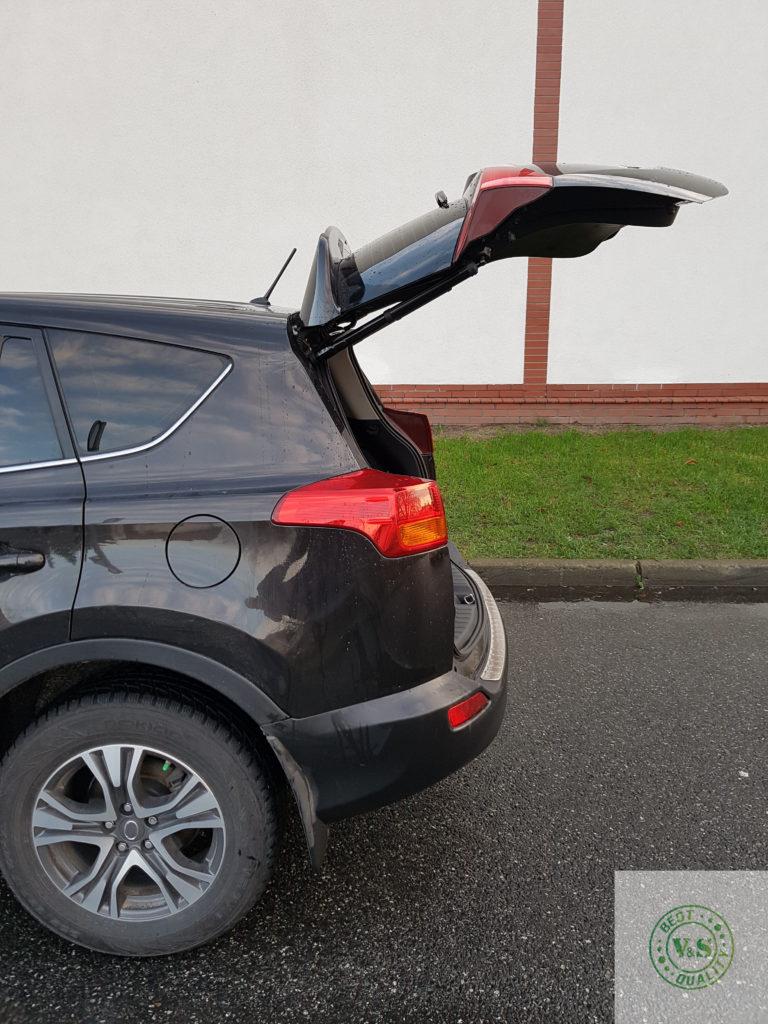 Inteligentny system otwierania i zamykania klapy bagażnika Toyota RAV 4 2013 >