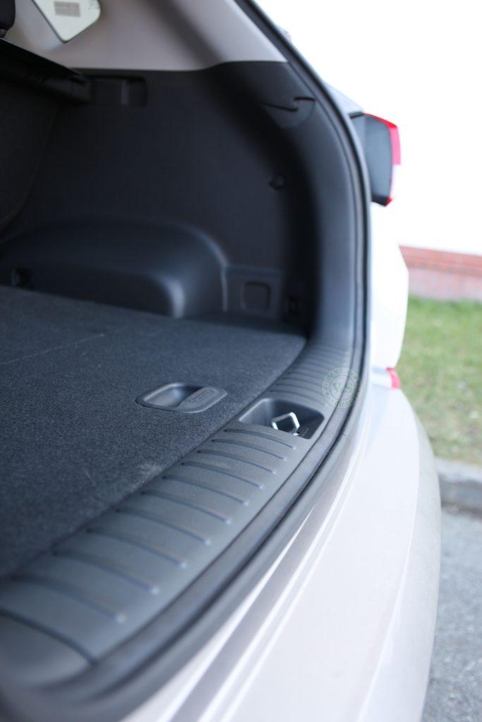 Inteligentny system otwierania i zamykania klapy bagażnika Hyundai Tucson 2017 >